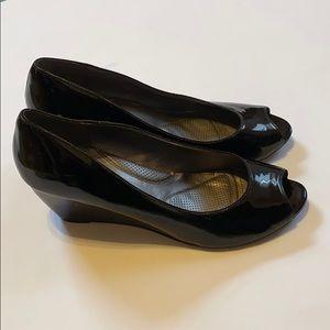 Adrienne Vittadini Black Wedge Heel Peep Toe